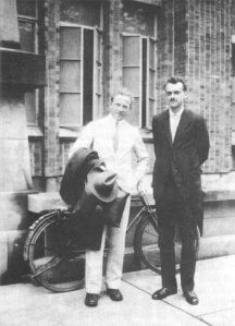 Dirac bersama Heisenberg, dua orang ysng berjasa dalam pengembangan fisika kuantum